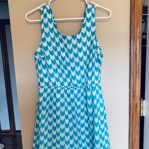 Teal / white patterned dress